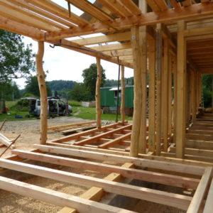tesařská konstrukce domu a terasy